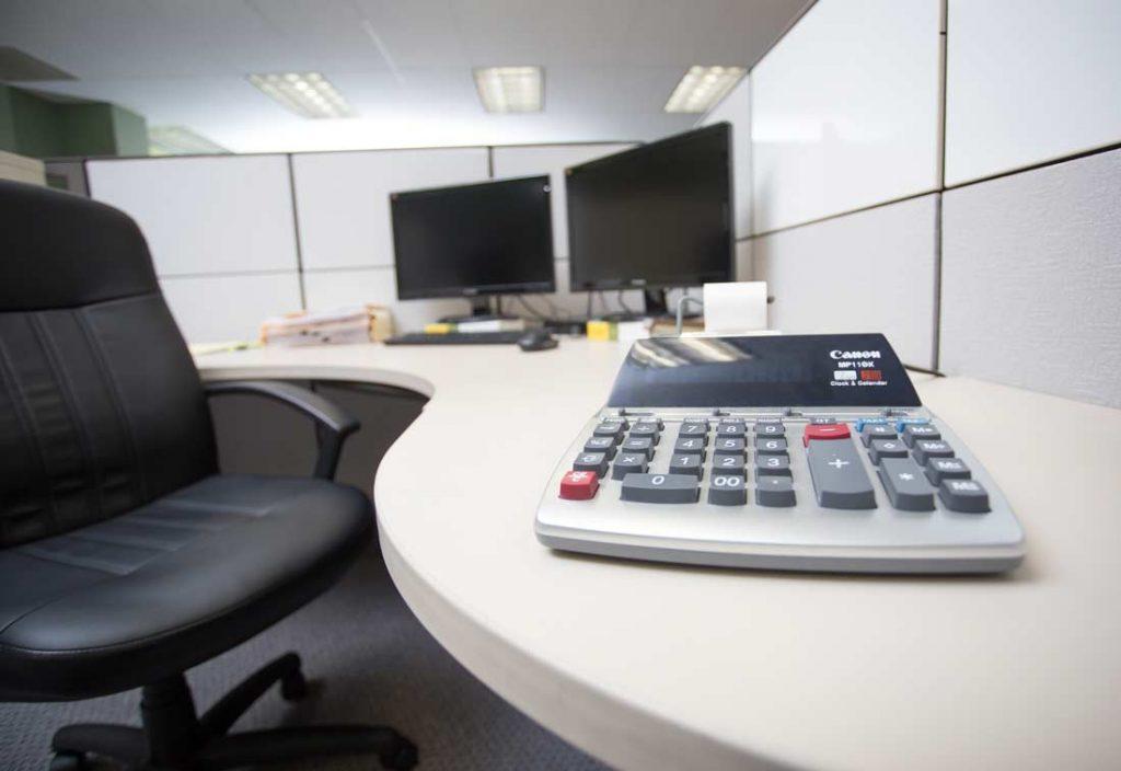 calculator-office-duncanashe-auditing-tax preparation-consultation